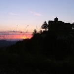 Il borgo di Contile all'alba