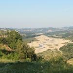 Vista sulla bassa valle sul crinalino di Serravalle