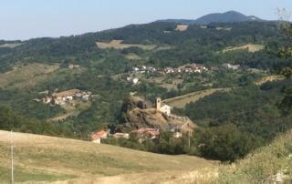 Il Borgo e la chiesa