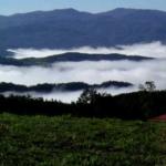 La Val Noveglia sotto le nuvole vista dal passo Santa Donna